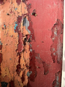 crumbling paintwork: state of suspension